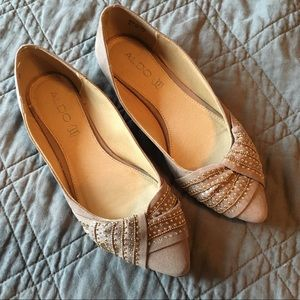 Aldo leather/suede tan/gold pointed flats